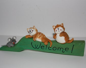 Welcome plate with cats and mouse