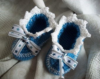 "Knitted booties ""My star"""