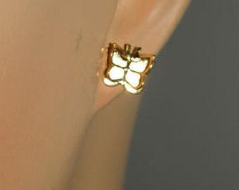NIB Adorable Tiny Gold Tone Fluttering Butterfly Pierced Earrings by AVON