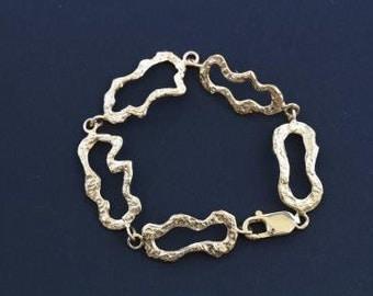 14k Gold Hammered Link bracelet