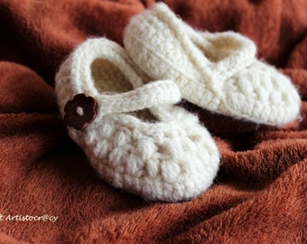 Handmade knitting baby shoes with baby hat (can be sold separately)