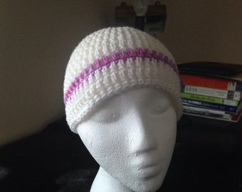 beanie with multicolored Tee stripe