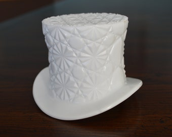 "Fenton vintage ""Daisy and Dot"" pattern hat vase (3"")"