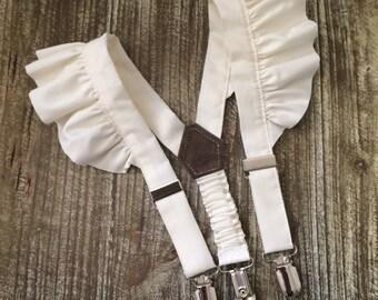 Girl's suspenders in off white