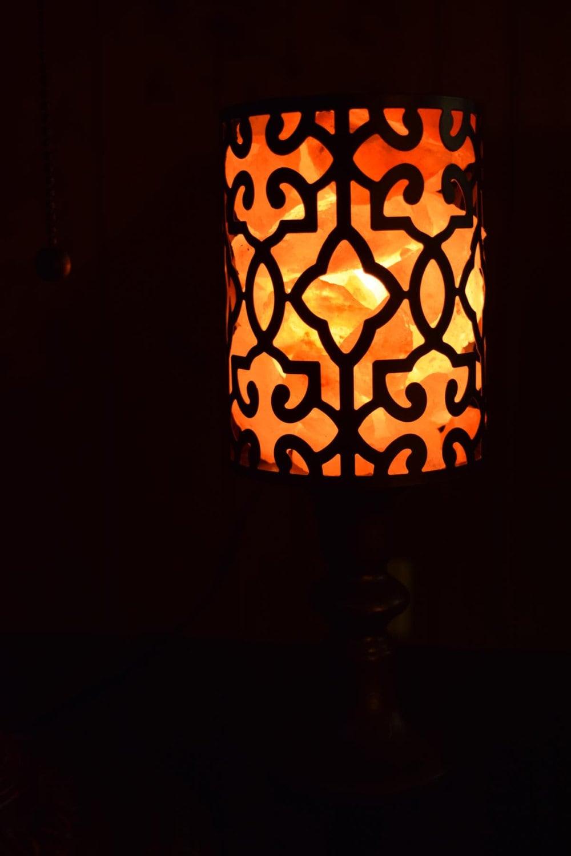 White Salt Lamp Vs Pink : Pink and White Himalayan Salt Lamp