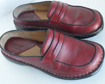 Born women clogs handmade,size 6, brown leather upper, excellent condition.