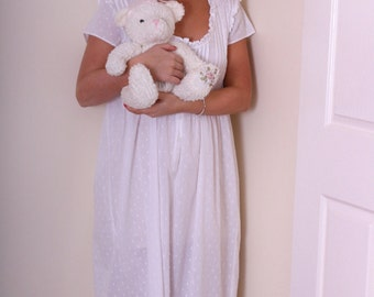 Hayley Nightgown - 100% pure fine cotton Sizes Small to 4XL
