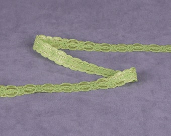 5 Yards Yellow Green Stretch Lace (E66G-5)
