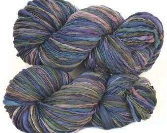 Handspun handdyed Merinowool yarn