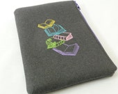 Colorful Books Kindle Paperwhite Sleeve, Padded Grey Wool