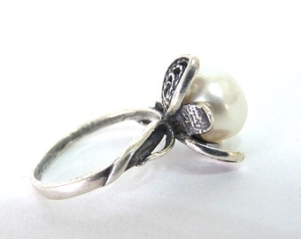White Freshwater Pearl Ring Sterling silver Filigree Flower Pearl Engagement Ring Size 6