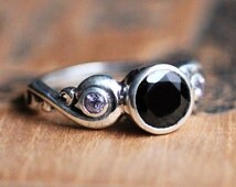 3 stone ring - black spinel ring - pink sapphire 3 stone - alternative engagement ring - bezel ring - right hand ring - Cumulus ring sz 7