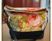 Foldover Crossover Bag in Vintage Roses