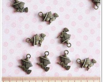 10 pcs Antique Bronze Mini Witch On Broom Metal Charm Pendant jewerly