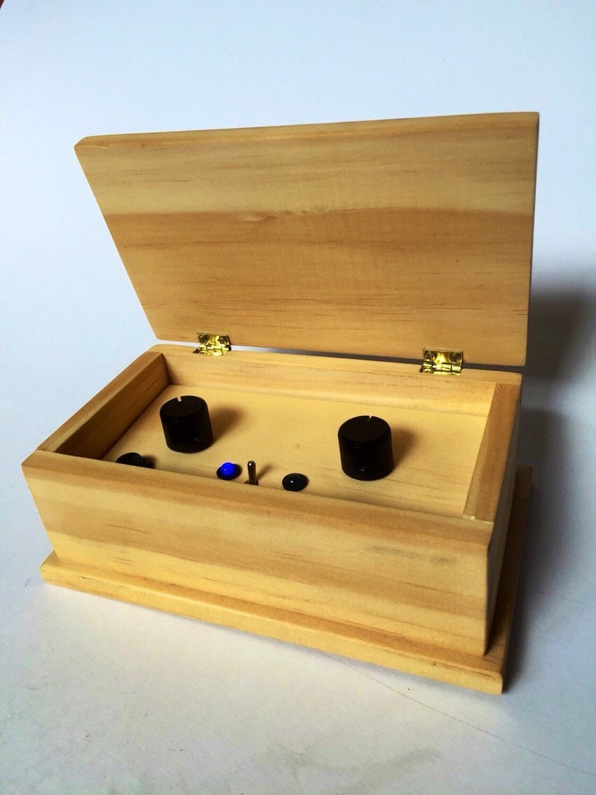 Luna Mod loop synth electronic musical instrument by ...