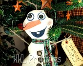 Primitive Frozen In Time Olove Snowman