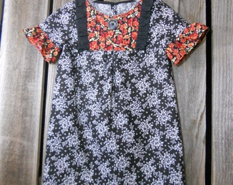 Girls dress in size 5 years (made from newer reclaimed cotton fabrics) Eco wear/ photo fashion/ red and black floral Fall dress