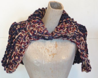 Women's capelet wrap shawl super chunky knit buttoned neck collar  extra small in navy red beige tweed