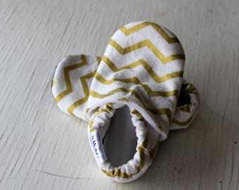 SWAG Baby Infant toddler shoes newborn boy girl nonslip soft sole crib shoe gold zig zag chevron shiny sparkly holiday christmas shower gift