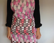 Adult Reversible Full Apron with Pockets handmade with Pink Cat Guitar Fabric/Valentine Gift/February Trending Gifts/Gift for Her/Bride