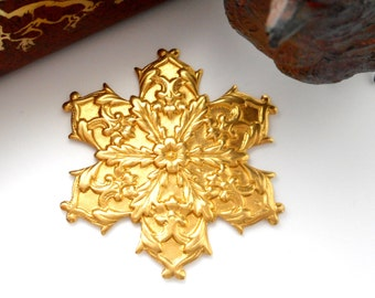 CLOSEOUT SALE Brass Snowflake Stamping - Jewelry Ornament Findings (FB-6105)