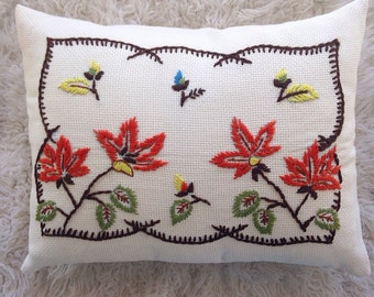 Vintage autumn leave crewel embroidery pillowcase