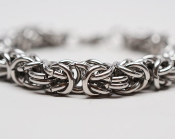 Men's 14 gauge chunky byzantine chainmaille stainless steel bracelet