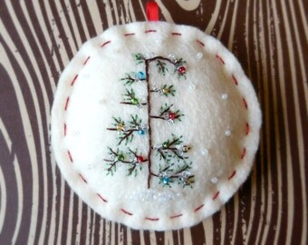 The Last Tree on the Lot - Felt Christmas Ornament in Cream