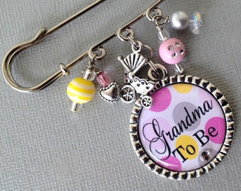 Mom TO be, Grandma To Be, Aunt To Be PERSONALIZED Pin - Baby Shower, pregnancy announcement, expecting mom, footprint charm, twins