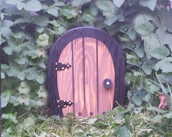 Small Fairy Door, 6 inch that OPENS.
