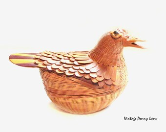 Vintage Wicker Chicken / Bir Box / Basket
