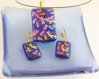 Royal blue fused glass pendant with dichroic dragonflies - dragonfly pendant - dragonfly necklace - dichroic glass jewelry (4002-4037)