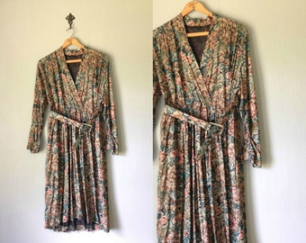 Vintage BRIAROAKS Dress • 1990s Clothing • Long Sleeve Knee Length Shirtdress • Unique Tapestry Print Floral Wrap Dress • Women Medium Large