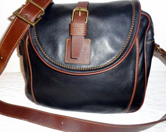 Thick oiled Italian leather  sling bag  cross body purse messenger bag  vintage 90s pristine condition