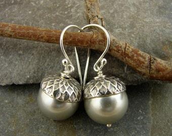Acorns - Lustrous Silver Platinum Classic Pearl Earrings With Artisan Sterling Acorn Caps - Acorn Earrings