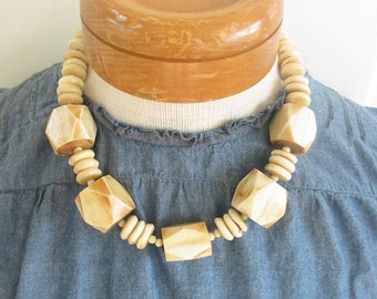 Vintage Necklace Jewelry Woman Beads Brown White Chunky