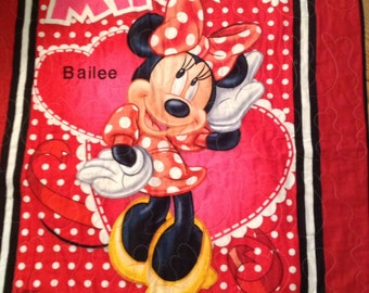 Toddler Bed Minnie Mouse quilt