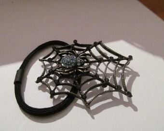 spider hair tie