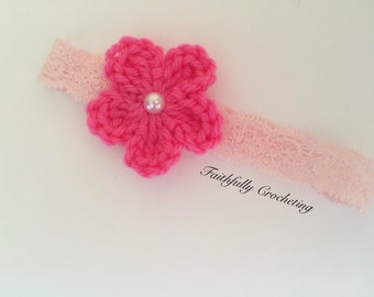 Newborn headband.. Pink flower.. Ready to ship
