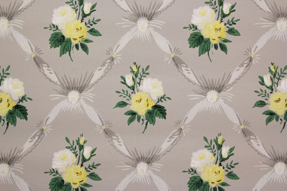 1940s Vintage Wallpaper Yellow and White Roses on Ribbon Tufting by ...