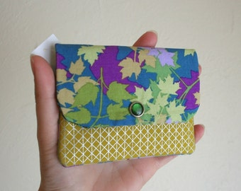 Colorful Leaves with Yellow and Shiny Silver Card Wallet with Zipper