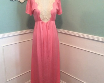 Vintage maxi nightgown. Deep v neck. Cream lace. Melon colored elegant gown