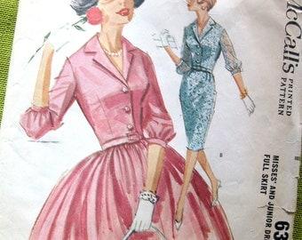 1960s Vintage  Sewing Pattern - DRESS - Simplicity 6323- UNCUT