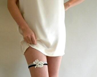 Black and Ivory Garter, Deco Style Garter, Wedding Garter, Bridal Garter, Alencon Lace Garter, Beaded Bridal Garter, Black Stretch Garter