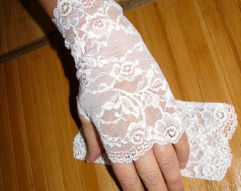 Romantic Wedding White Delicate Lace Fingerless Gloves Arm Warmers Fairy Princess / Flowergirl