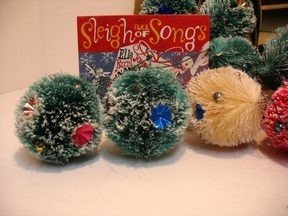 10 Vintage Christmas Soft Fiber Pine Tree Wreath Decorations