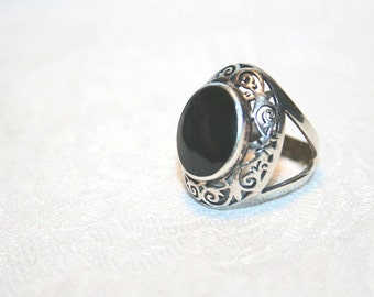 Sterling Silver Filigree Vintage Ring Onyx