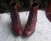 FREE SHIPPING Vintage boots shoes size 7 M footwear (Vault B6)