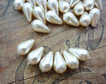Glass Pearls 18x10mm with Pattern Dark Cream Teardrop Vintage (6)