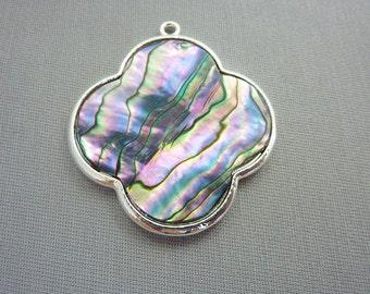 Beautiful Ablalone Paua Shell Silver Pendant
